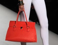 Козметика и дамска чанта