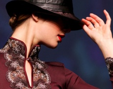 Как се избира и носи червено червило?