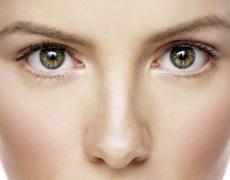 10 ефикасни начина да се отървем от тъмните кръгове и торбичките под очите