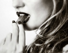 Кои са най-изкушаващите жени според зодията