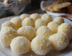 Как да си направите домашни бонбони Рафаело