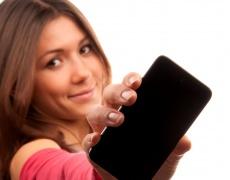 Как телефонът вреди на красивата кожа