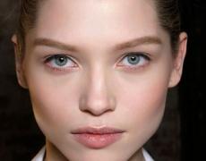 Грим тенденция: озарена кожа без несъвършенства