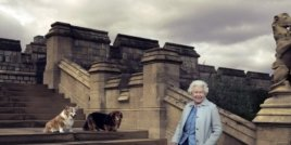 Елизабет II стана на 90 години