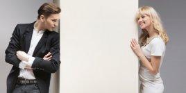 Въпросите, които мъжете никога няма да зададат на жените