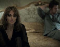 Анджелина Джоли: Секс сцените с Брад са най-странното нещо, което сме снимали