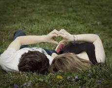 Любовта е просто дума, докато не се появи някой, който да я осмисли. Пауло Коелю
