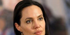 Анджелина Джоли не прилича на себе си след развода с Брад Бит