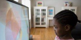 Рекламите на храна действат негативно върху децата с риск от затлъстяване