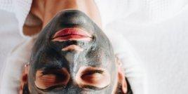 Полезните свойства на активния въглен за кожата и косата
