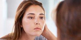 Как да се грижите за мазната кожа през летните месеци?