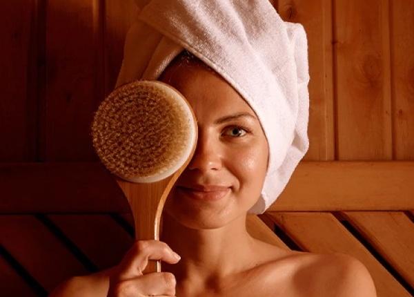Полезните ефекти на сухото четкане за кожата на лицето