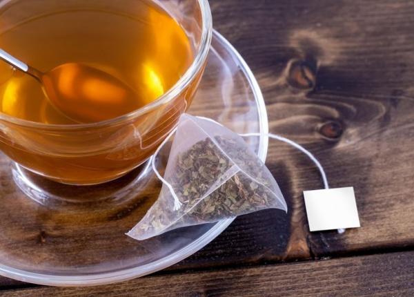 Полезните ефекти на чая и чаените торбички за кожата и косата