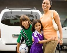 6 неща, които трябва да има в колата на мама