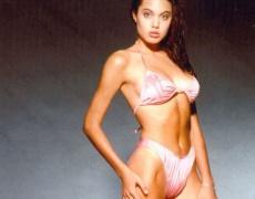 Анджелина Джоли само на 14, само по бельо (снимки)