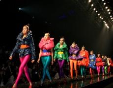 Как да съчетавате правилно цветовете при обличане?