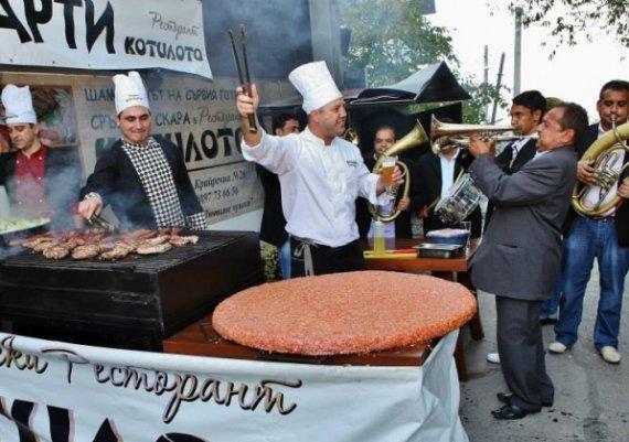 Как се приготвя автентична сръбска плескавица?