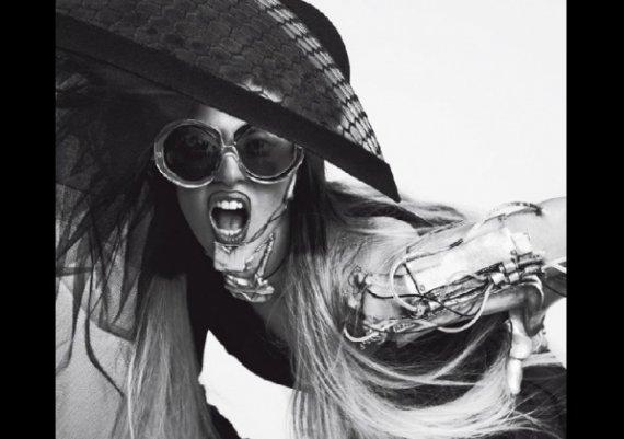 Лейди Гага, женският вариант на Робокоп