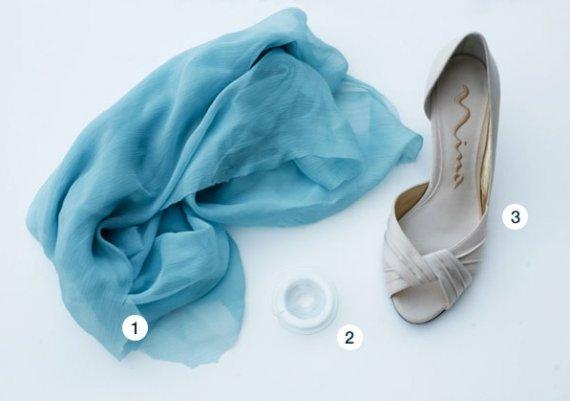 Как да декорираме обувките си със стар шал?