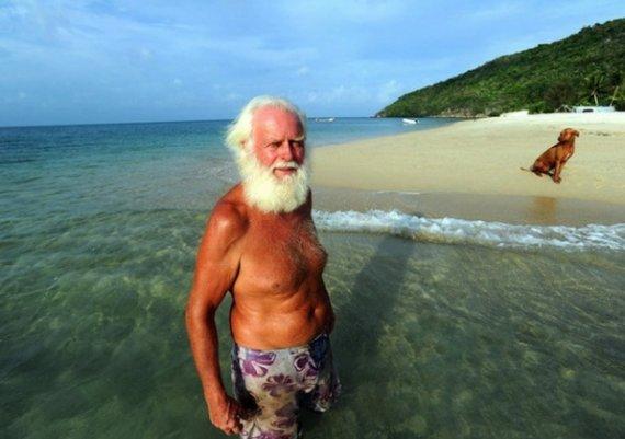 Идиличният живот на съвременния Робинзон Крузо (снимки)