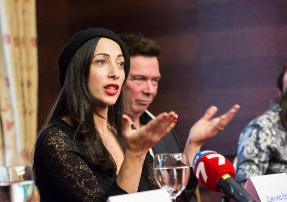 Джина Брук – жената, която вижда Мадона без грим