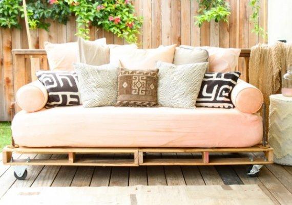 Идеи за дома: легло от европалети