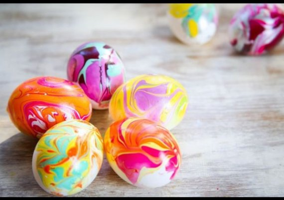 Как да боядисаме великденски яйца с лак за нокти? (снимки)