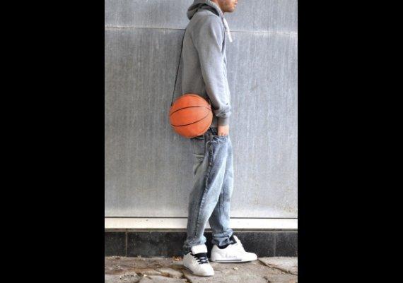 Как да си направите чанта от баскетболна топка?