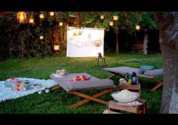 Идеи: Лятно кино в градината (снимки)