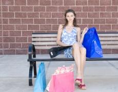 Постоянният шопинг ни оставя незадоволени