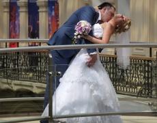 Защо има отчаяни жени, готови на брак без любов?