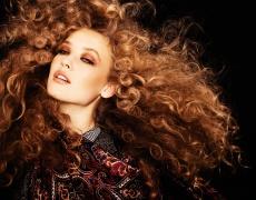 Как да се грижите за къдрава коса?