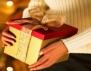 Как да направите коледен подарък, който сгрява сърцето?