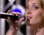 Невероятно! Журито не може да повярва, че тя пее на живо (видео)