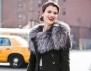 Как да носим пухкав шал през зимата?
