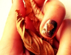 Как да си направим есенен маникюр от изсъхнали листа