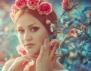 Лесна прическа за пролетта с украса от цветя (видео)