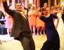 Жестоко! Майка и син с разбиващ сватбен танц (видео)