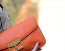 Тенденция: Чанти в ярки цветове