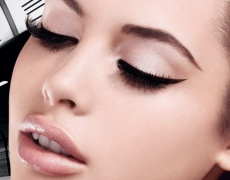 Още 12 страхотни начина да носим очна линия