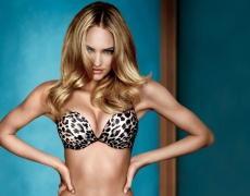 Упражнения за по-красиви гърди