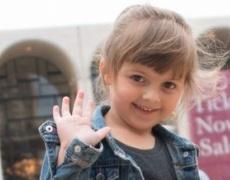 4-годишната Сидни е най-младата дизайнерка в света