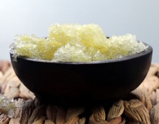 Домашен скраб за ръце с лимон и джинджифил