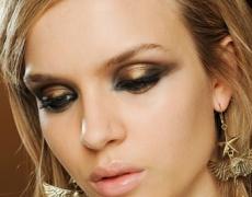 Гореща тенденция в грима: металически сенки за очи