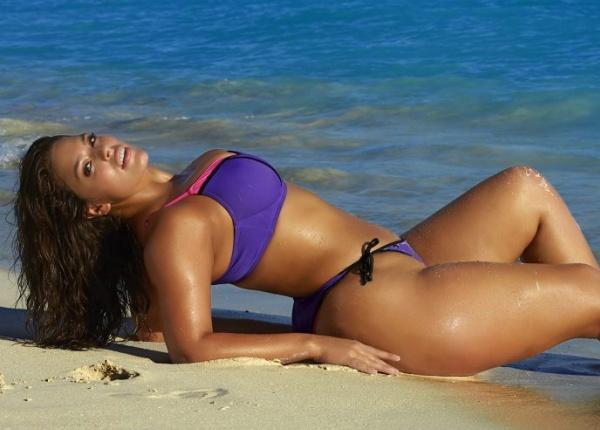 Ашли Греъм - първият 'Plus-Size' модел на корицата на 'Sports Illustrated'