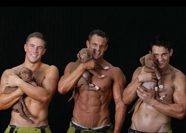 Благотворителен календар с пожарникари