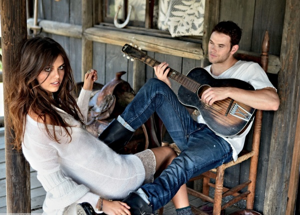 11 песни, които мъжете научават, за да впечатлят жена
