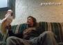 Папагал в забавен разговор със стопанина си