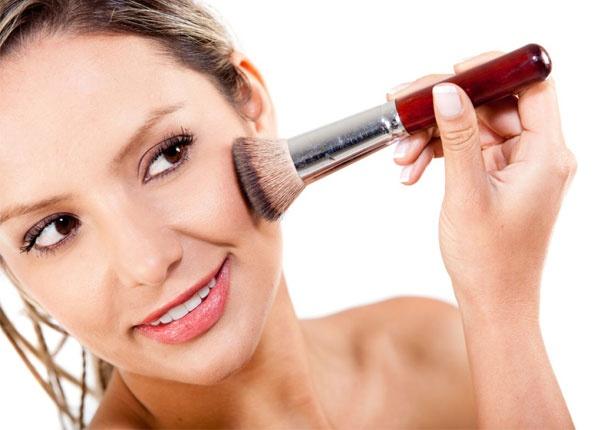 5 лесни начина да определите подтоновете на кожата