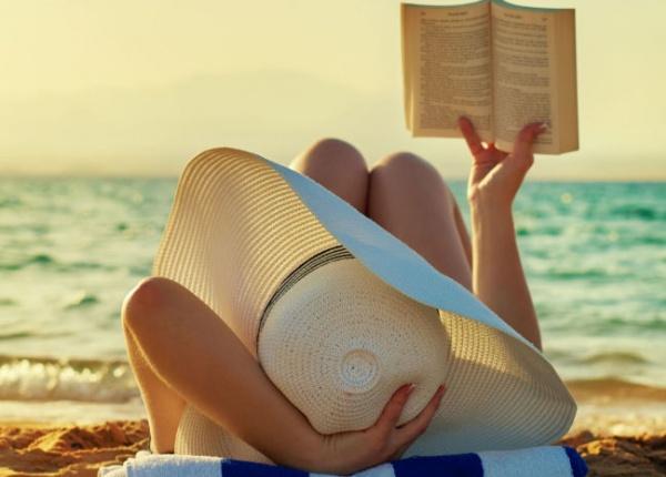 """Пет книги, които ще ви направят по-щастлив според """"библиотерапевтитe"""""""